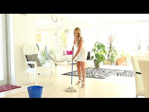 Empregada loira do x videos louca por cacete